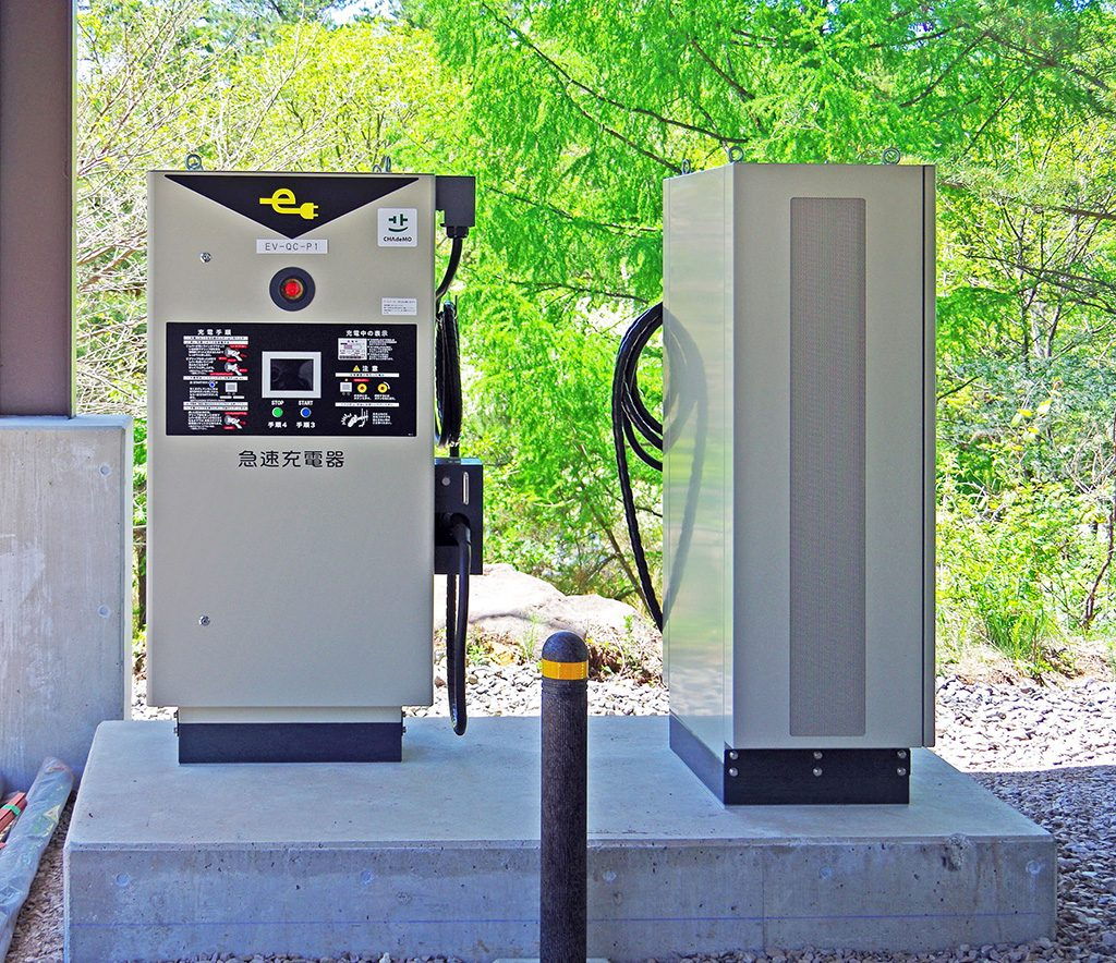 電気自動車用の急速充電器