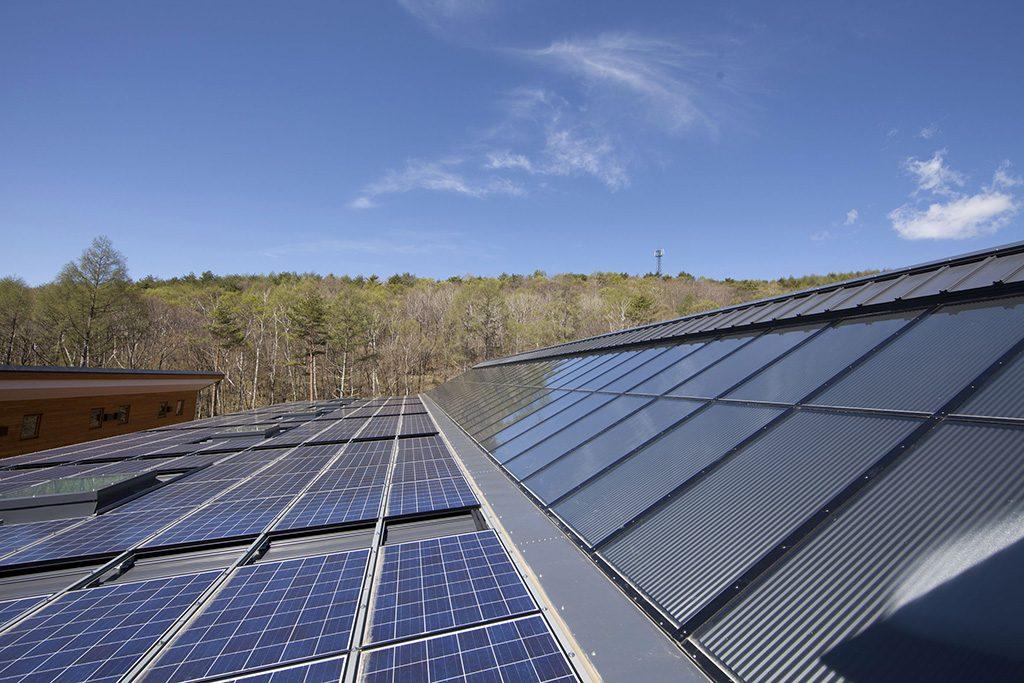 高効率太陽光発電パネル